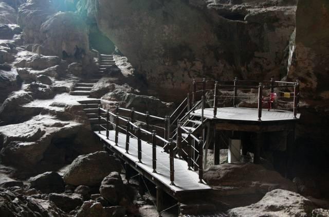 Interior de Ta Phin Cave - Foto sacada de Hanoi to Sapa