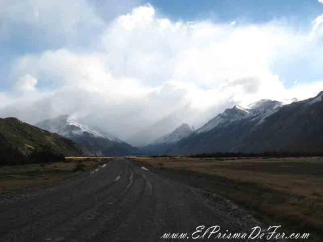Ruta hacia el Lago del Desierto. Esta parte es donde el viento impacta de lleno contra nosotros