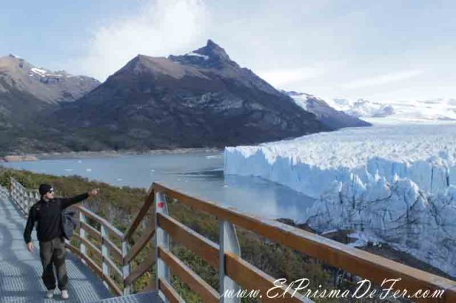 Pasarelas frente al Glaciar Perito Moreno