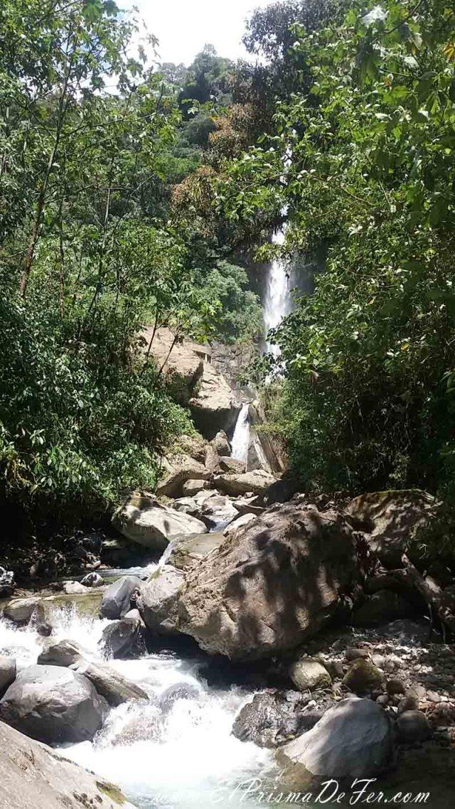 Camino a las cascadas Machay