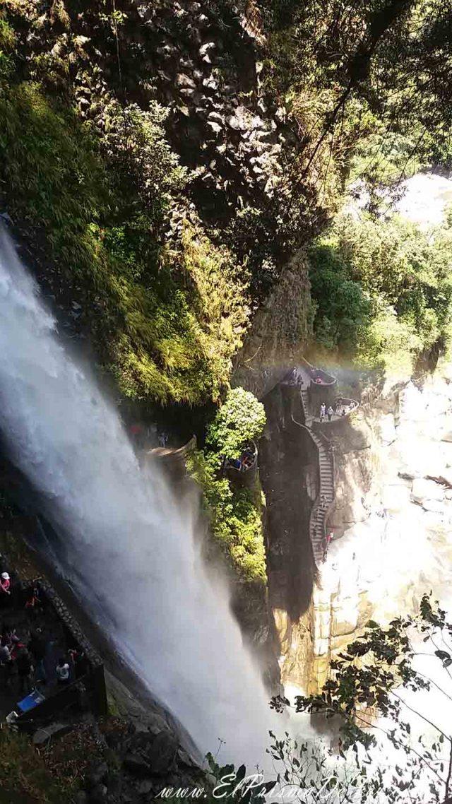 Cascada Pailón del Diablo en Baños