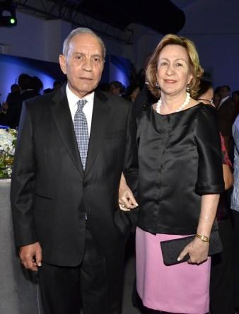 Foto 11 Dennis Simó y Julia de Simó