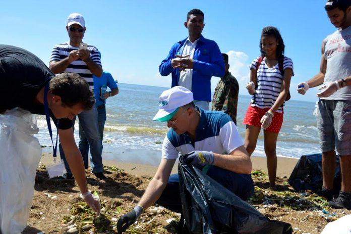 dia-mundial-de-la-limpieza-de-playas-2