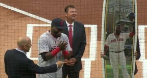 video-los-padres-le-regalan-una-tabla-de-surf-especial-a-david-ortiz