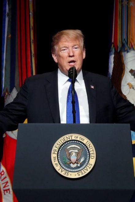 """Abogados de Trump califican como """"una farsa"""" juicio político"""