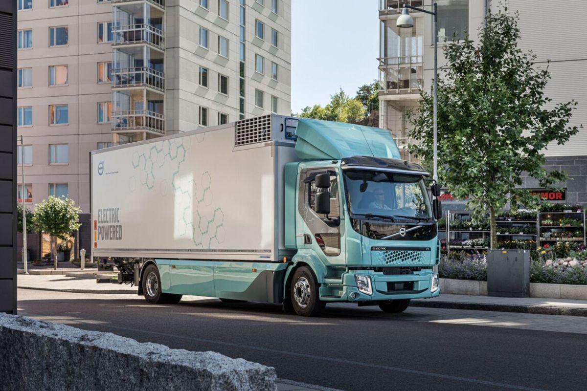 Camiones eléctricos: así son los planes de los principales fabricantes ante el reto de electrificar el transporte de mercancías por carretera