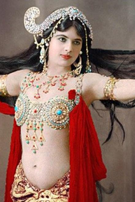 Magníficas fotos en color de Exotic Spy y Ultimate Femme Fatale Mata Hari