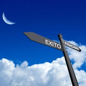 Exito - Fracaso, flechas, direcciones, cielo, errores