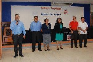 Personal directivo del Instituto Tecnologico de Chetumal (ITCH), realizaron el acostumbrado corte de la Rosca de Reyes, lo que marca el inicio de las actividades escolares para este 2015.