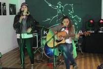 """La cantautora """"Maka Meléndez"""" encantó a los asistentes con su música urbana interpretando temas de su propia autoría."""