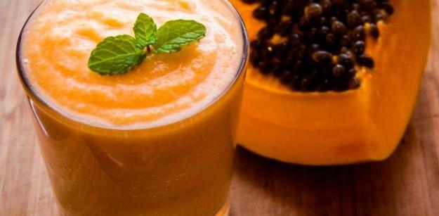 Receta de un batido de papaya con moras para adelgazar