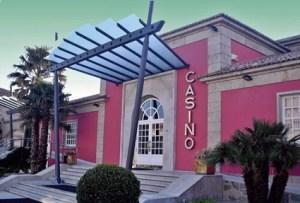 Entrada al Casino de la Toja, uno de los casinos gallegos