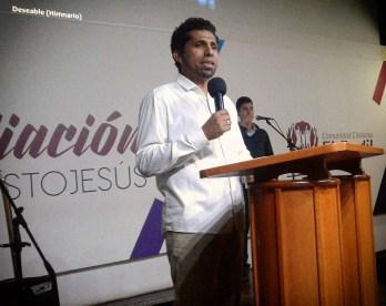 Pastor David López