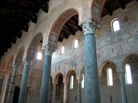 Se cree que para la decoración de San Angelo los artistas fueron contratados directamente en Constantinopla