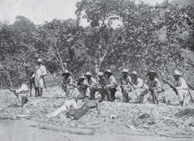Cadáveres de marinos españoles en las costas cubanas, bajo un batallón de insulgentes.