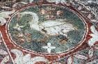 Mosaico ubicado en los restos de una basílica en Solos