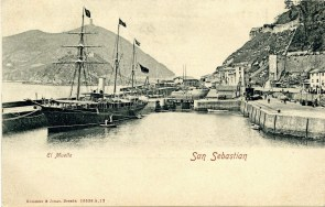 El URANIA en estado de origen. Puerto de San Sebastian. Postal