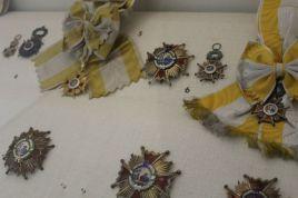 Orden de Isabel la Católica (en diversas formas) Museo del Ejército de Toledo