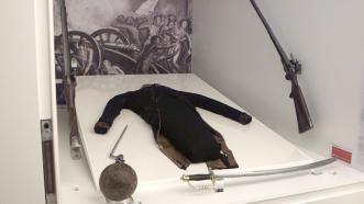Uniforme de Daoiz, que tras su minuciosa restauración se encuentra expuesto en el Museo del Ejército de Toledo