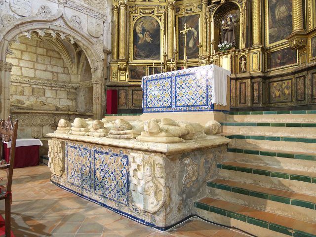 Túmulo sepulcro Alonso Jofre Tenorio (Monasterio de Santa Clara) de Moguer, en la provincia de Huelva.