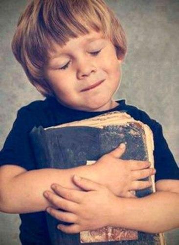 La importancia de ver a un libro como un amigo desde niños
