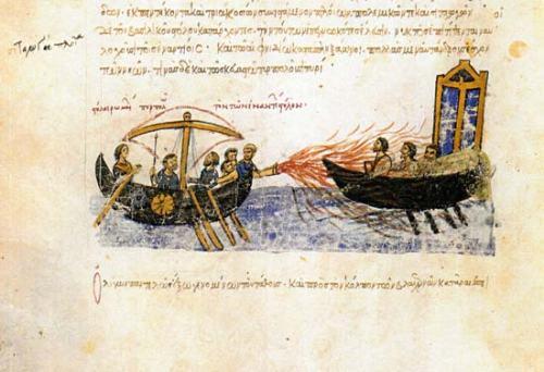 Uso del fuego griego lanzado desde un dromón bizantino.