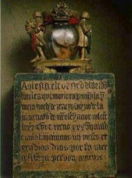 Urna que contiene el corazón de Carlos (Foto: ujue-uxue.blogspot.com.es)