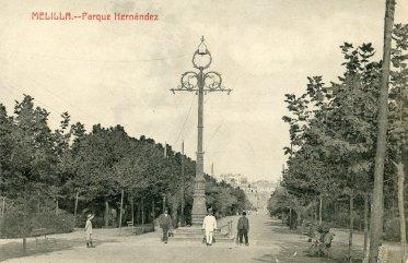 La farola del general (imagen: queverenmelilla.blogspot.com.es)