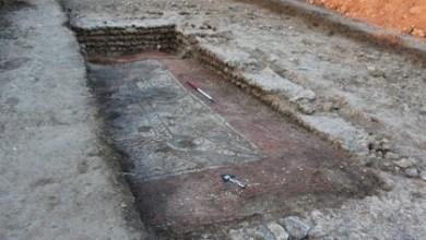 Photo of Arqueólogos aficionados descubren un espectacular mosaico romano en Inglaterra