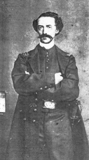 Capitán Adolfo Fernández Cavada.