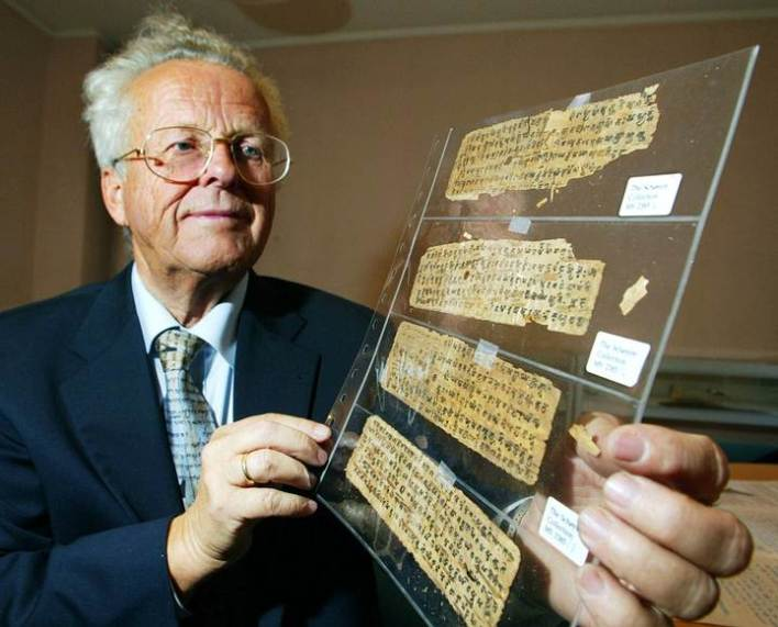 Artículo publicado en MysteryPlanet.com.ar: Schøyen: La colección privada de manuscritos antiguos más grande del mundo https://mysteryplanet.com.ar/site/schoyen-la-coleccion-privada-de-manuscritos-antiguos-mas-grande-del-mundo/