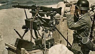Ametralladora alemana abandonada en la costa de Normandía Archivos de LIFE Magazine