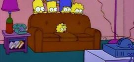 the simpsons en el sofa