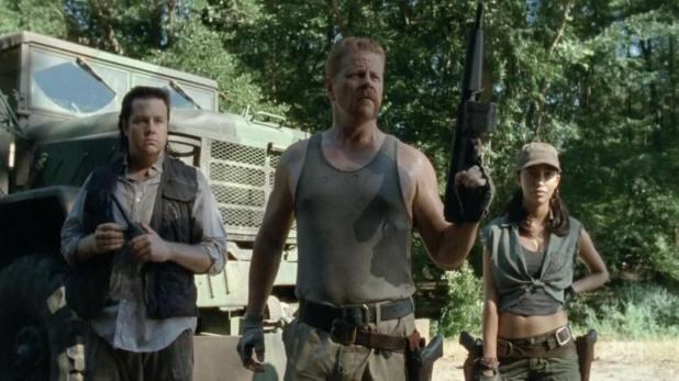 The Walking Dead 4x10 Inmates - Eugene, Abraham y Rosita reclutan a Glenn y Tara