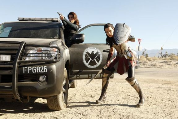 Agents of SHIELD 1x15 Yes Men - Lady Sif y Melinda May