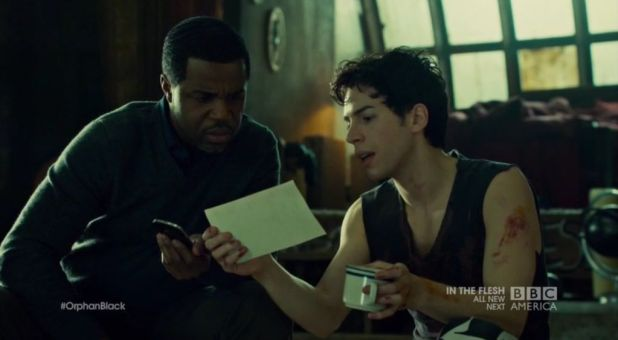 Orphan Black 2x06: Felix y el detective Art también investigan por su cuenta el proyecto LEDA.