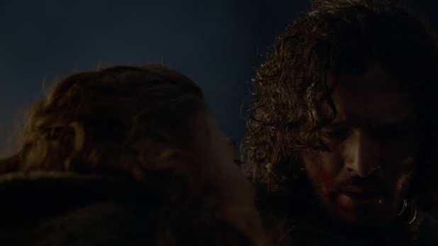 Juego de Tronos 4x09 The Watchers on the Wall - Ygritte muere en los brazos de Jon