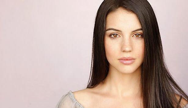 Adelaide Kane es Cora Hale en Teen Wolf