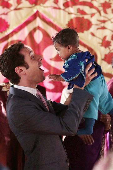 Royal Pains - Season Premiere - Smoke and Mirrors