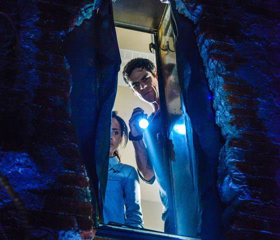 Under the Dome 2x05 - El túnel tras la taquilla de Melanie Cross