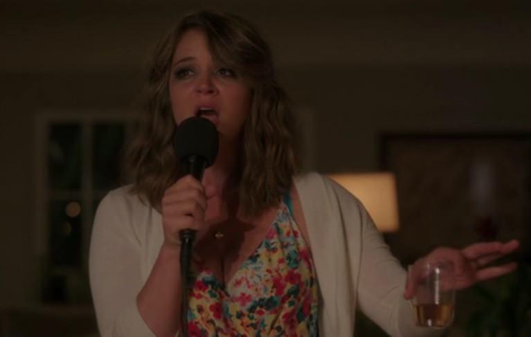 You're the Worst enamora con su primera temporada: Lindsay se convierte en una robaescenas a medida que avanza la temporada.