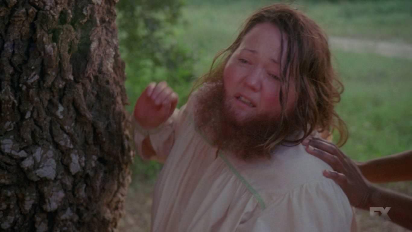 American Horror Story Freak Show 4x03 - El mayor pecado de Ethel fue vender el nacimiento de su hijo