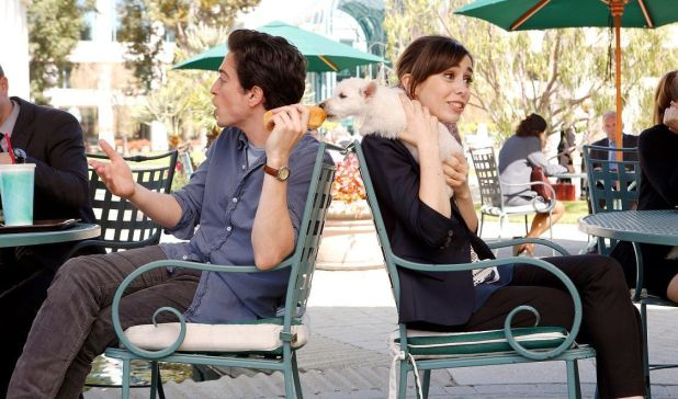 Crítica de A to Z (NBC): La 'adorabilidad' por bandera
