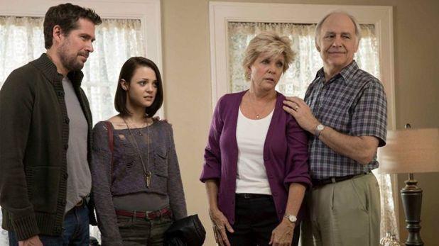 Crítica de Finding Carter: Carter se adapta fácilmente a su nueva familia excepto a su madre, con quien no para de discutir.