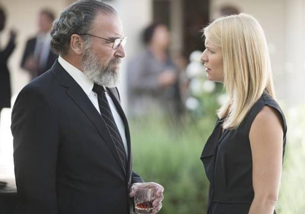 Homeland 4x12 - Saul y Carrie en el funeral