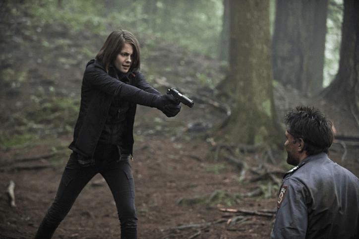 Arrow 3x14: Thea se llena de ira al conocer la verdad sobre el asesinato de Sara y cómo Malcolm la ha manipulado todo el tiempo.