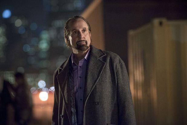 Arrow 3x13: El conde Vértigo vuelve a la acción y termina enfrentando a Oliver y Laurel.