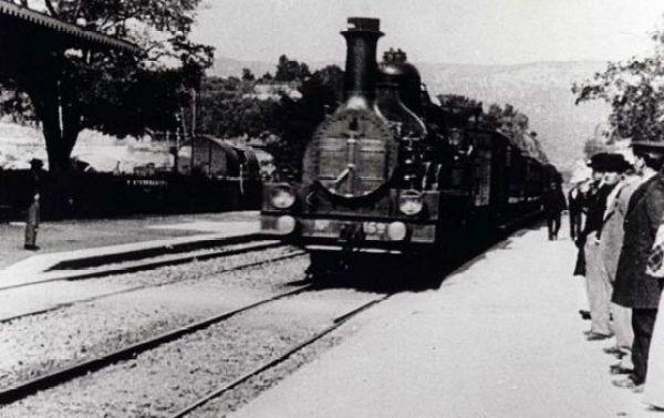 Las 10 MEJORES películas sobre TRENES - La Llegada del Tren a la Estación de La Ciotat