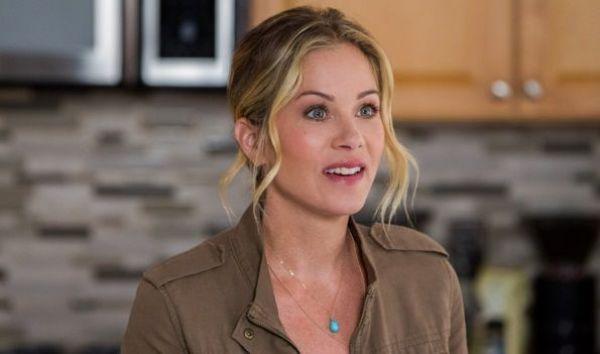 Las 10 PEORES actrices del 2015 - Christina Applegate