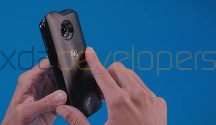 Moto-Z3-Play-with-5G-Moto-Mod-b